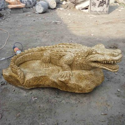 砂岩动物雕塑,鳄鱼石雕