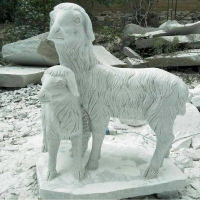 公园母子山羊石雕