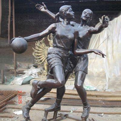 女子打篮球铜雕,公园小品铜雕