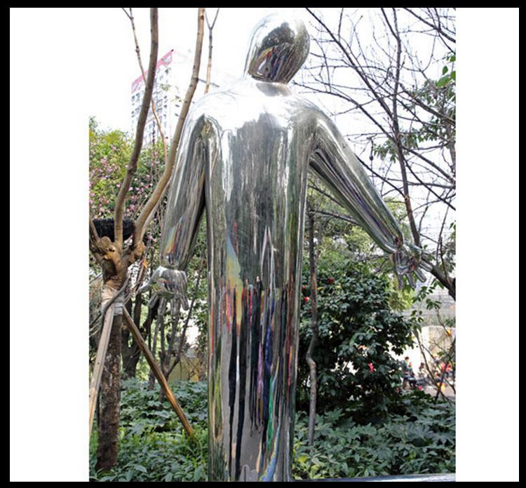 不锈钢镜面大白 广场景观雕塑