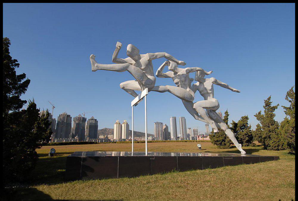 跨栏比赛雕塑 不锈钢抽象人物雕塑 公园不锈钢雕塑 (3)_wps图片