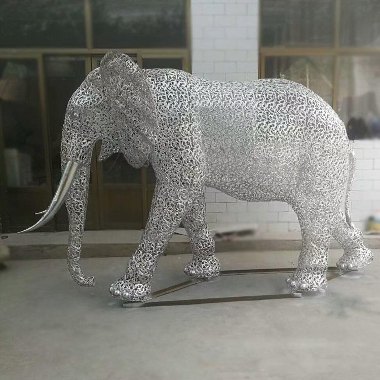 不锈钢镂空大象