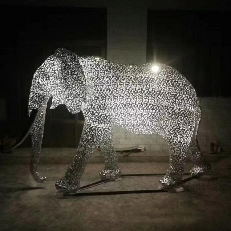 不锈钢拉丝大象动物雕塑
